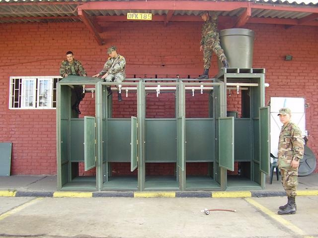 Baño Quimico Pequeno:duchas múltiples de campamento militar móviles baños colectivos