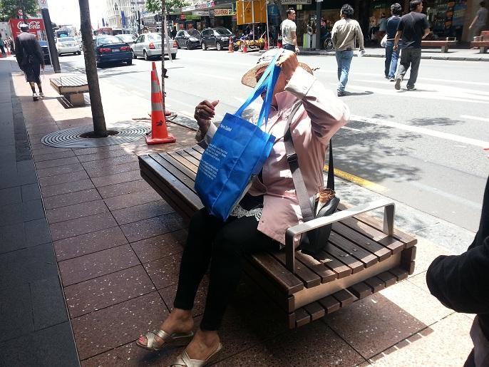 Sillas mobiliario urbano distintos tipos butacas de for Mobiliario urbano tipos
