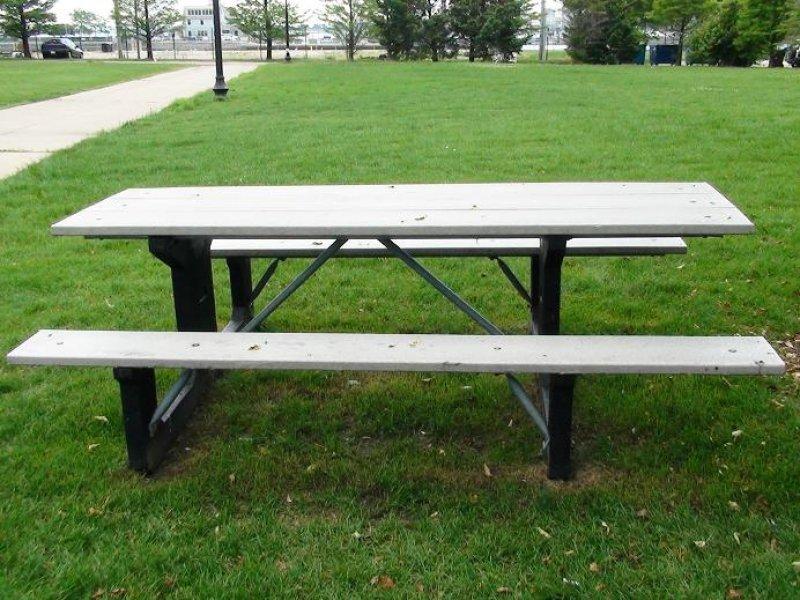 Sillas y mesas de exterior en la web nuevos cat logos 123 for Amoblamiento urbano