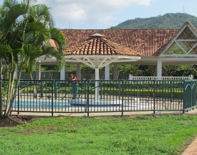 Cerramientos para piscinas cercados perimetrales - Cerramientos para piscinas ...