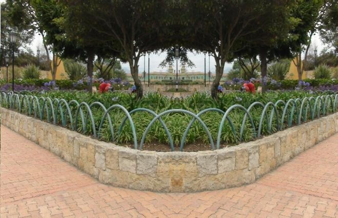 Vallas metalicas para jardin awesome novedades en puertas - Vallas decorativas para jardin ...