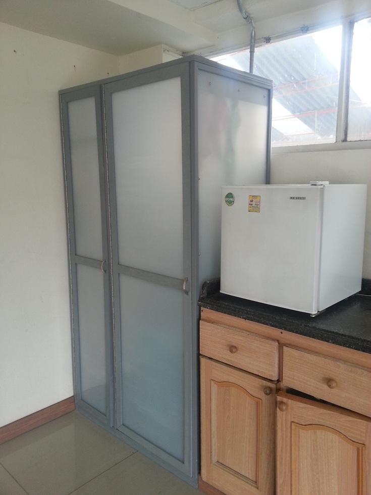 Armarios metalicos para exterior armarios metlicos y for Armario escobero para exterior