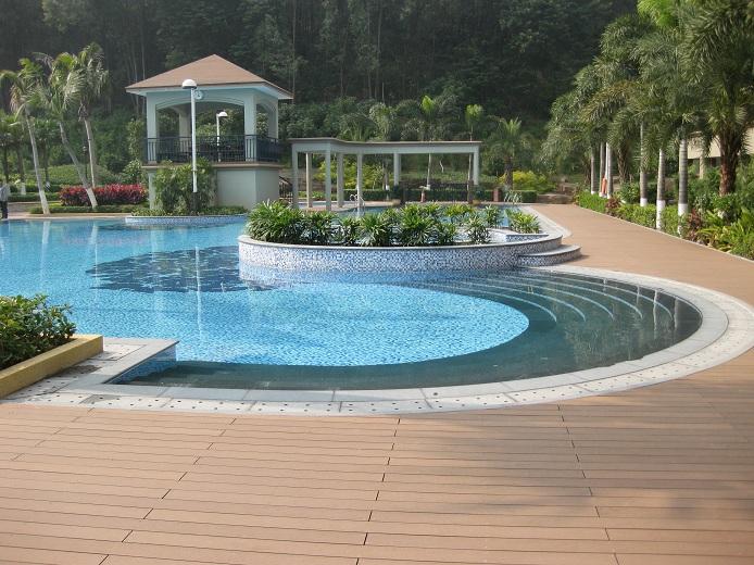 07 decks pisos terrazas pisos flotantes madera pl stica for Piscinas de plastico para jardin