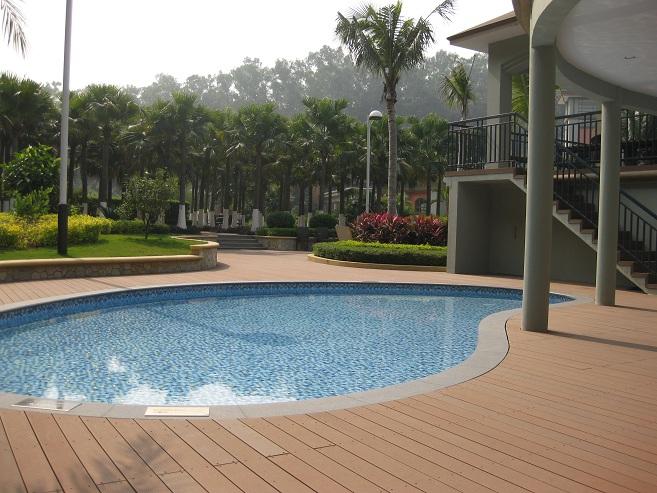 Decks pisos terrazas pisos flotantes madera pl stica for Suelos para terrazas con piscina