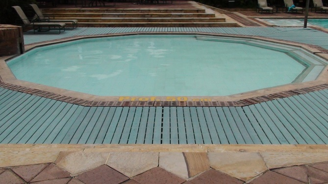 Decks pisos terrazas pisos flotantes madera pl stica - Toboganes para piscinas baratos ...
