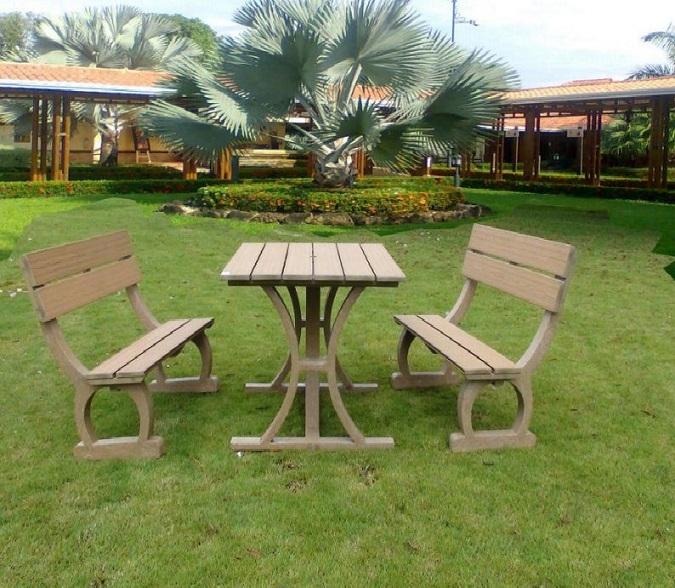 Juegos de mesa y sillas plasticos for Vendo muebles terraza