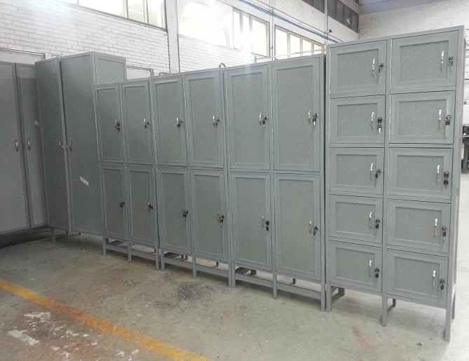 Locker pl sticos casilleros pl sticos diversidad vestieres for Oficinas dhl colombia