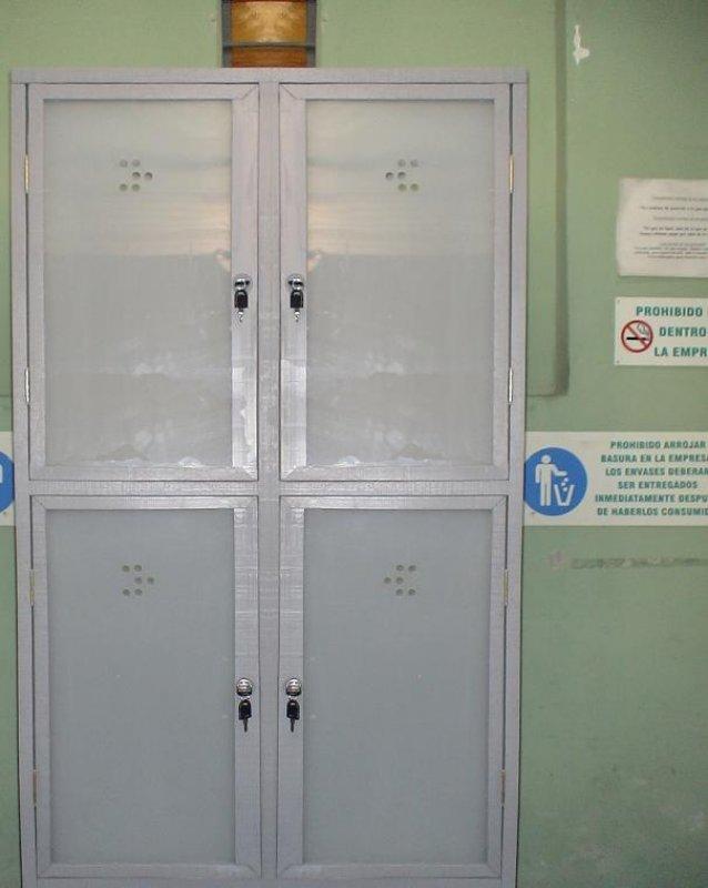 12 locker pl sticos casilleros pl sticos diversidad - Puertas correderas de plastico ...