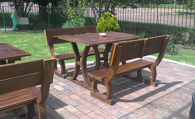 Sillas muebles mobiliario urbano maderplast 34 mesa mueble for Mobiliario de jardin de madera