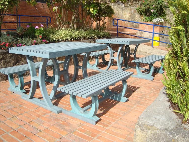 Muebles campestres para exteriores o interiores for Comedores exteriores para terrazas