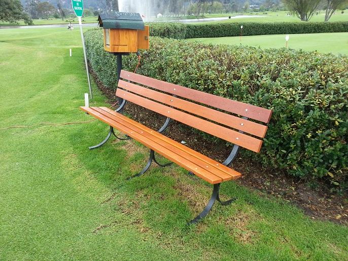 Muebles campestres para exteriores o interiores for Kiosco de madera para jardin