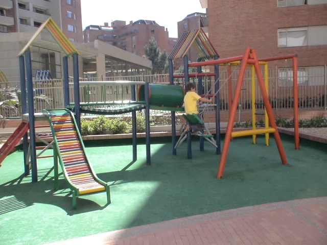urbano parques infantiles modernos atractivos construidos materiales
