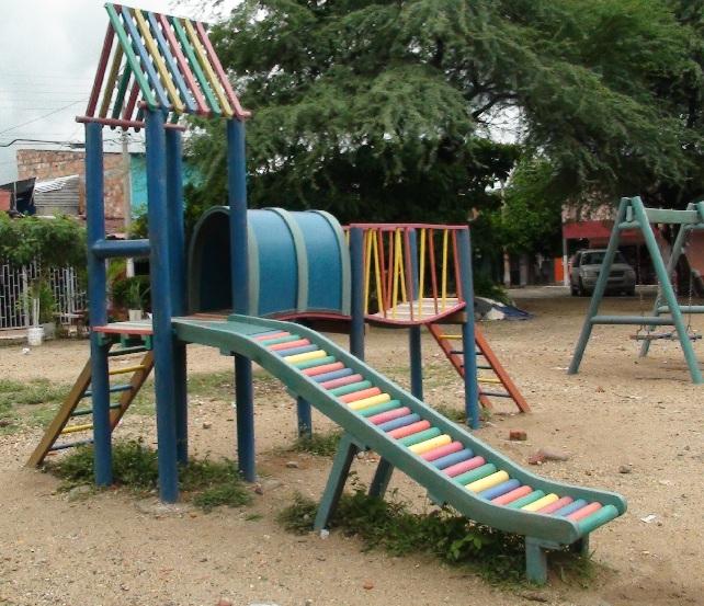 Columpios nios para jardin latest usado la casita de for Parque infantil jardin
