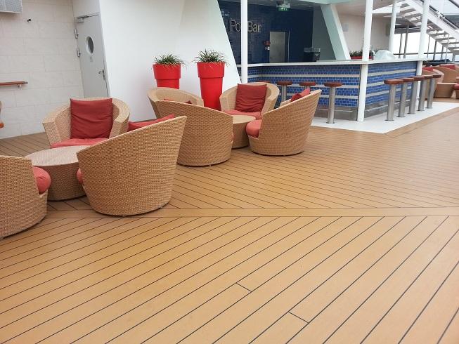 Pisos decorativos madera pl stica finas maderas de exteriores for Tipos de pisos para escaleras