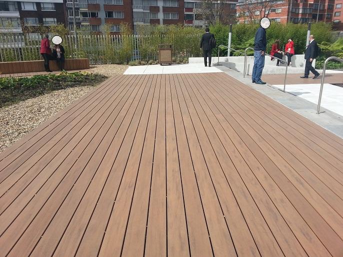 Pisos decorativos madera pl stica finas maderas de exteriores for Pisos para balcones y terrazas