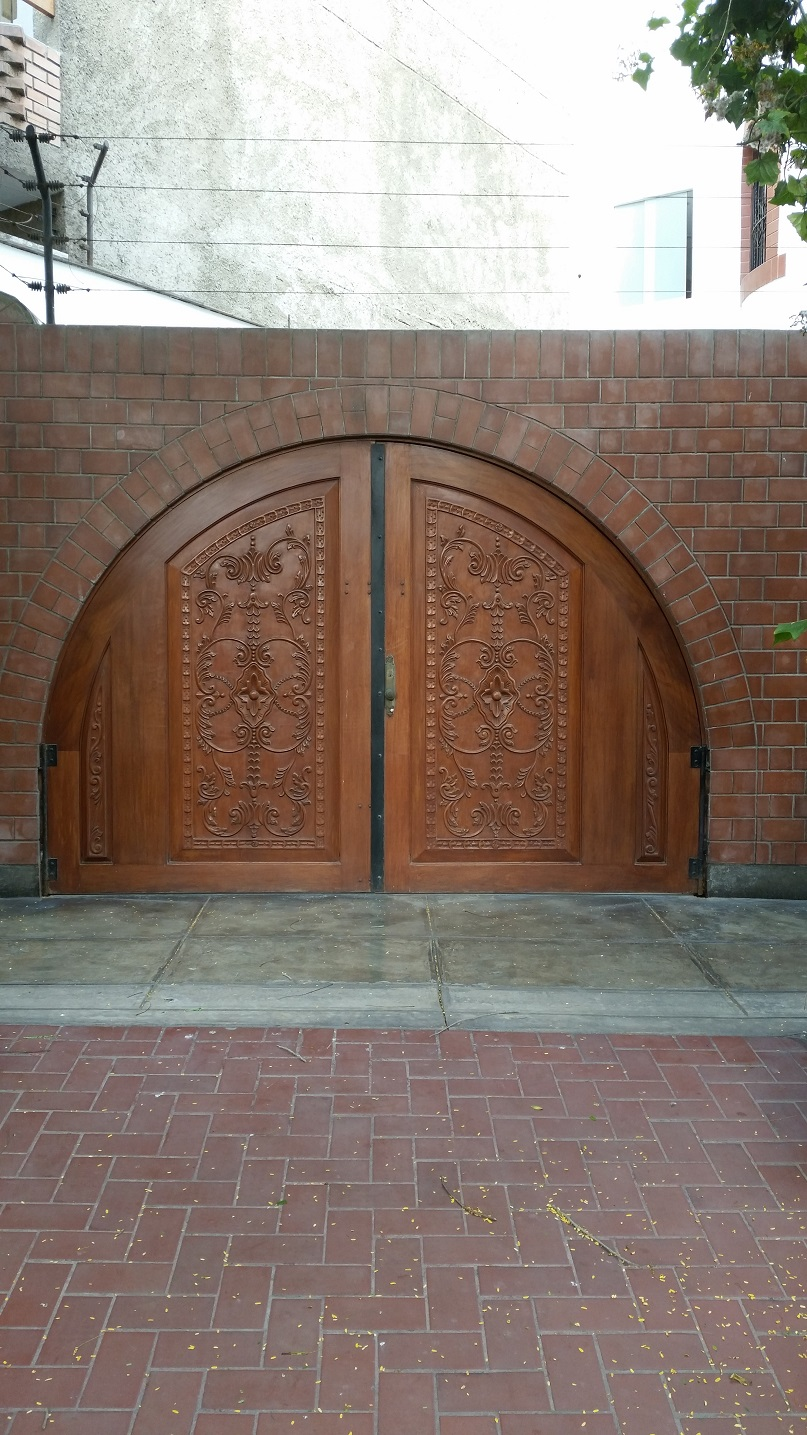 31 productos dise os especiales hasta alas de avi n lo que - Puertas de madera exteriores ...
