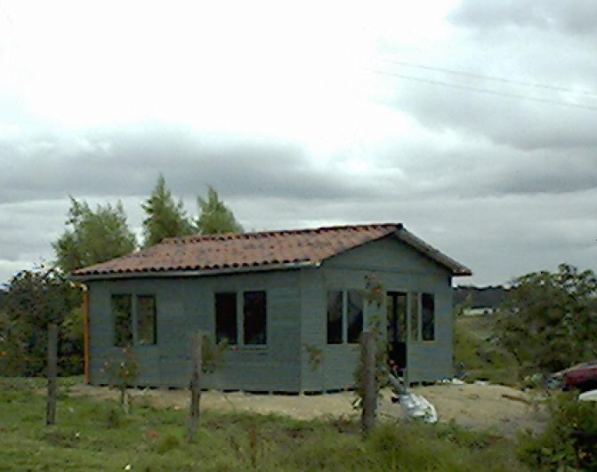 Casas prefabricadas campamentos prefabricados casetas for Construccion de casas paso a paso
