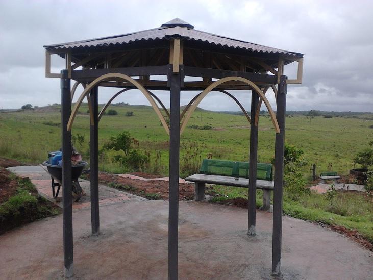 42 casas campamentos prefabricados casetas m viles for Casetas metalicas para jardin segunda mano