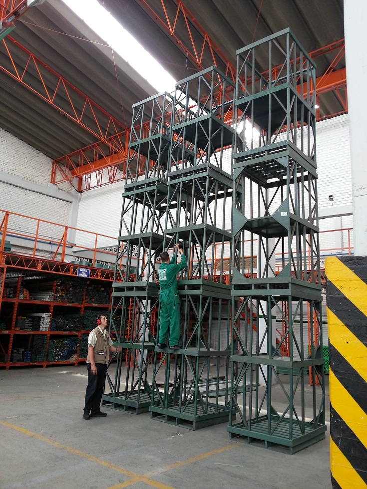 36 estibas tarimas pallets contenedores antiderrame - Contenedores metalicos apilables ...