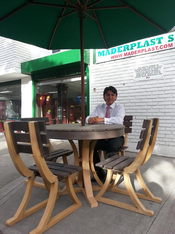 mesas redondas con sillas y parasol sombrillas mesas redondas con parasol mesa plstica con parasol mesa