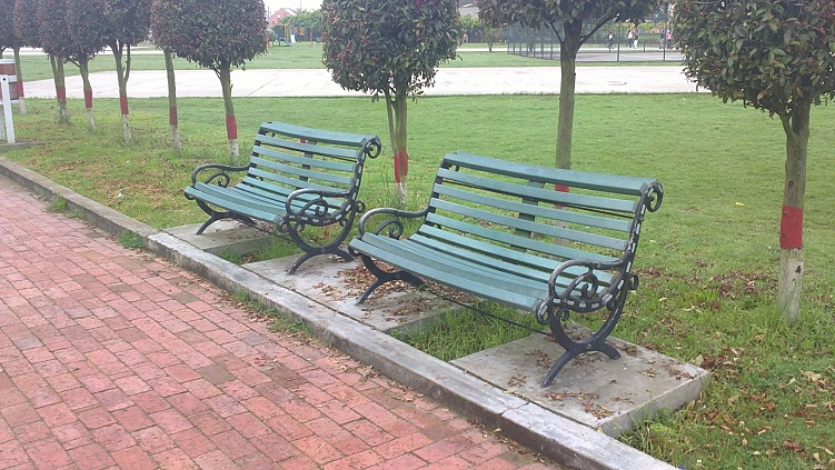 30 muebles campestres muebles para exteriores interiores for Mobiliario jardin madera