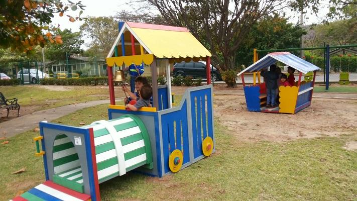 30 muebles campestres exteriores interiores mobiliarios - Parque infantil casa ...