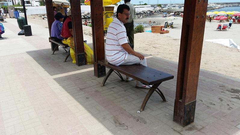 28 sillas bancas de amoblamiento urbano asientos sillones for Curso diseno de muebles