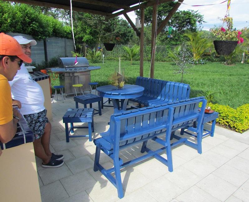 28 sillas bancas amoblamiento urbano asientos sillones for Mesas de patio baratas