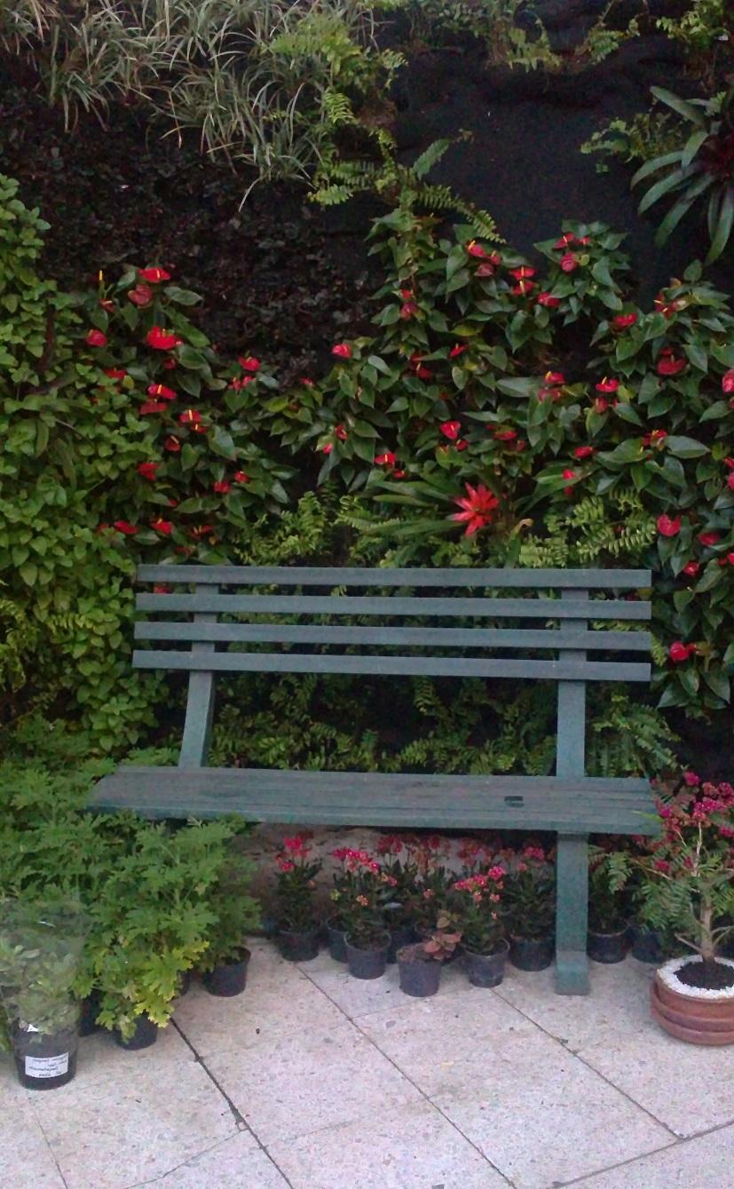 Sillas bancas exteriores amoblamiento urbano para las v as for Sillas para parques