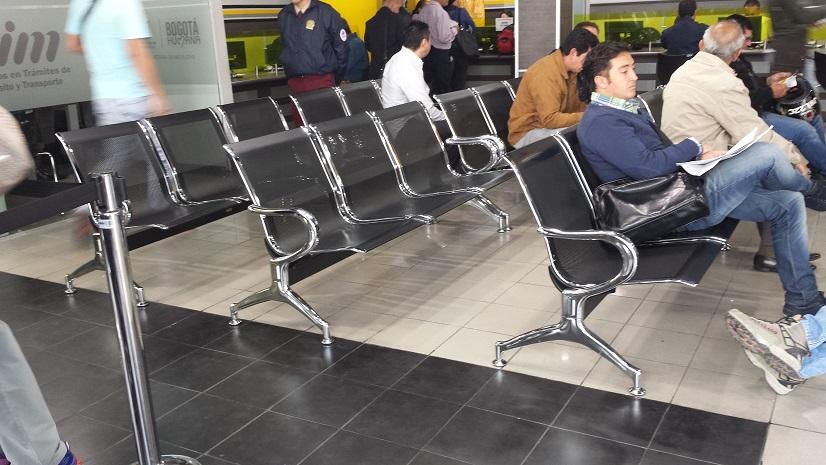 28 sillas bancas amoblamiento urbano asientos sillones for Sillas para hospital