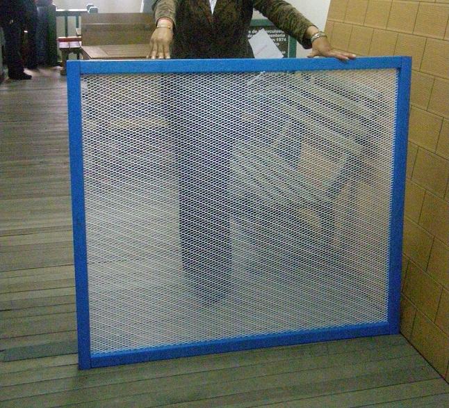 10 cerramientos para piscinas cercados perimetrales for Piscinas plastico duro