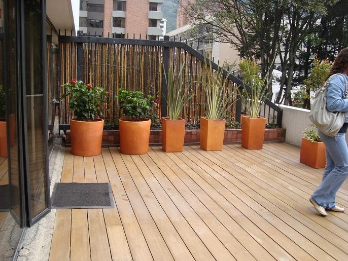 Losas para terrazas gallery of terraza with losas para for Cobertizo exterior