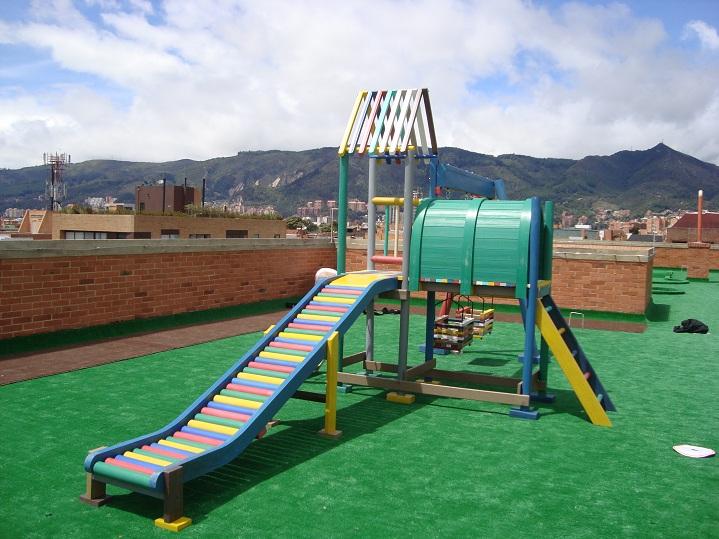 06 parques juegos infantiles en pl stico for Tipos de mobiliario urbano pdf